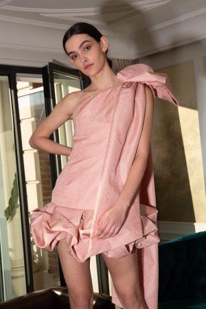 Encinar vestido Miranda lazo hombro moire rosa corto 0 scaled