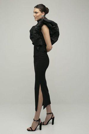 alquiler de vestido midi fiesta coco negro manga hombro abullonado apertura del diseñador Encinar 2