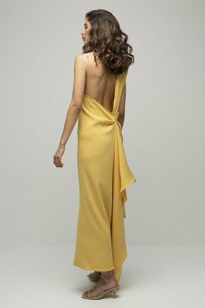 Vestido de fiesta largo de Racil Flavia amarillo lazada espalda largo 2